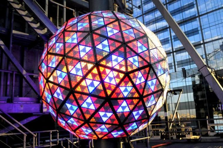 NYE ball 2013b